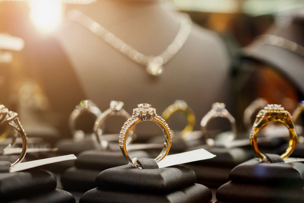 Diamond Rings/Jewelry